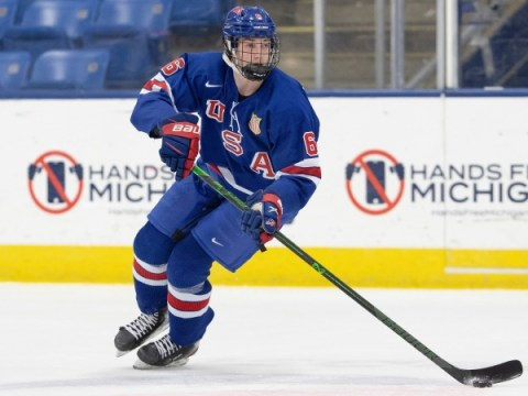 NHL 드래프트 유망주 순위 : Luke Hughes, Jesper Wallstedt가 2021 클래스의 상위 32 위