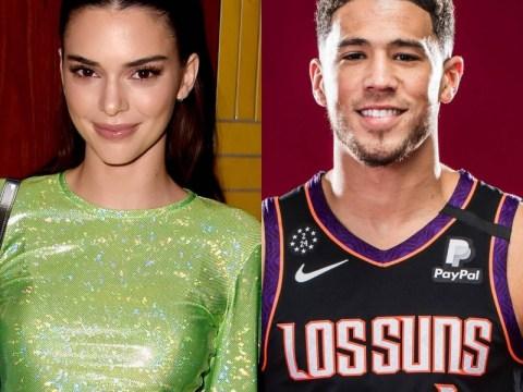 Kendall Jenner는 발렌타인 데이에 Devin Booker Instagram 공식과 로맨스를 만듭니다.