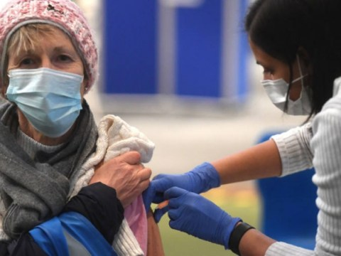 최근 코로나 바이러스 : 영국, '수천만'더 많은 백신 접종 예정