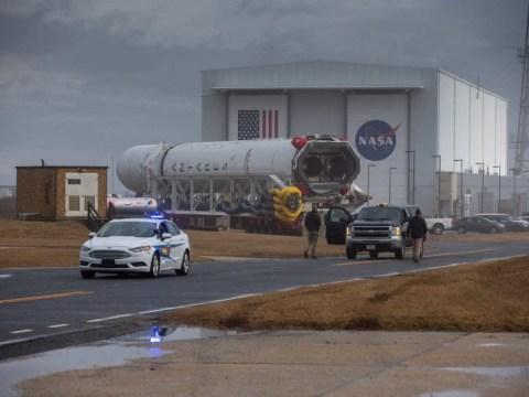 토요일 우주 정거장에 발사 할 시간에 민감한화물을 실은 안타레스 로켓