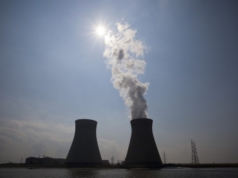 Eskom은 원자력 정화 비용이 납세자 문제로 치솟 으면서 다른 방식으로 보입니다.