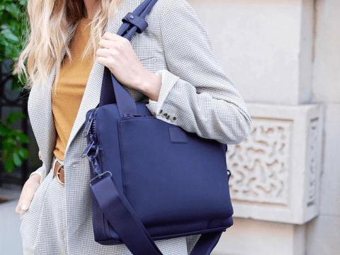 กระเป๋าแล็ปท็อปสำหรับผู้หญิงที่ดีที่สุด 4 อันดับในปี 2021