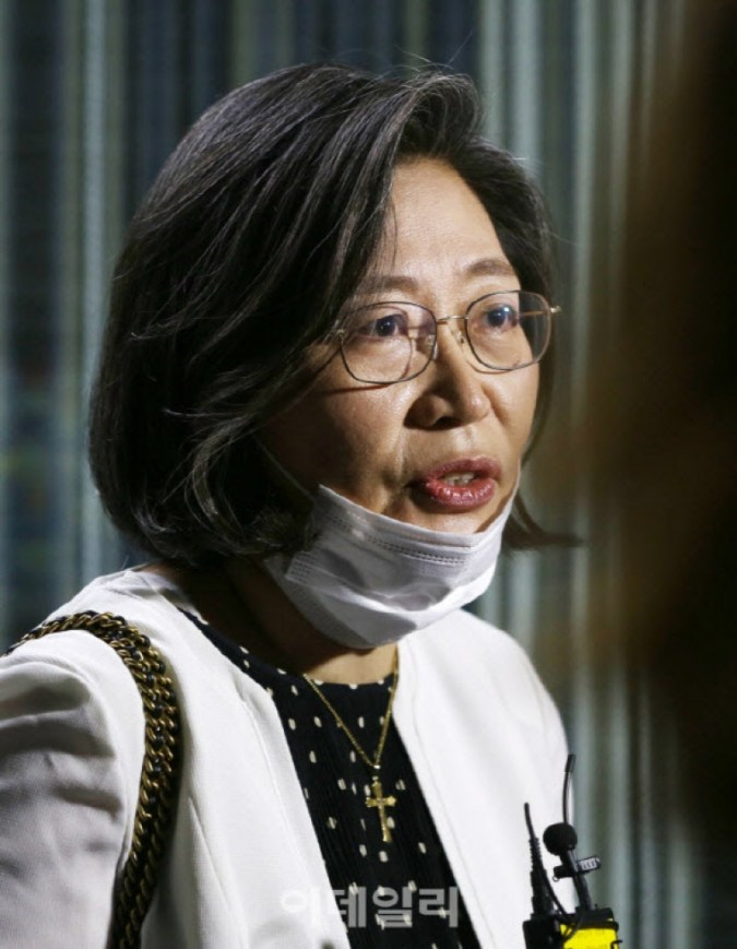 Mengapa Profesor Soo-Jung Lee berada di sisi 'kekuatan rakyat' lagi