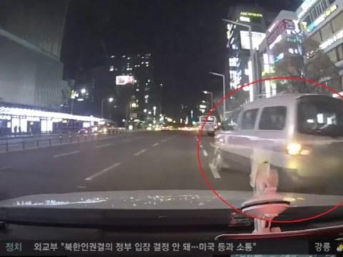 Mabuk tabrak lari, dua taksi 'bang' …  'Mengemudi akrobatik' sambil menggertak mobil polisi