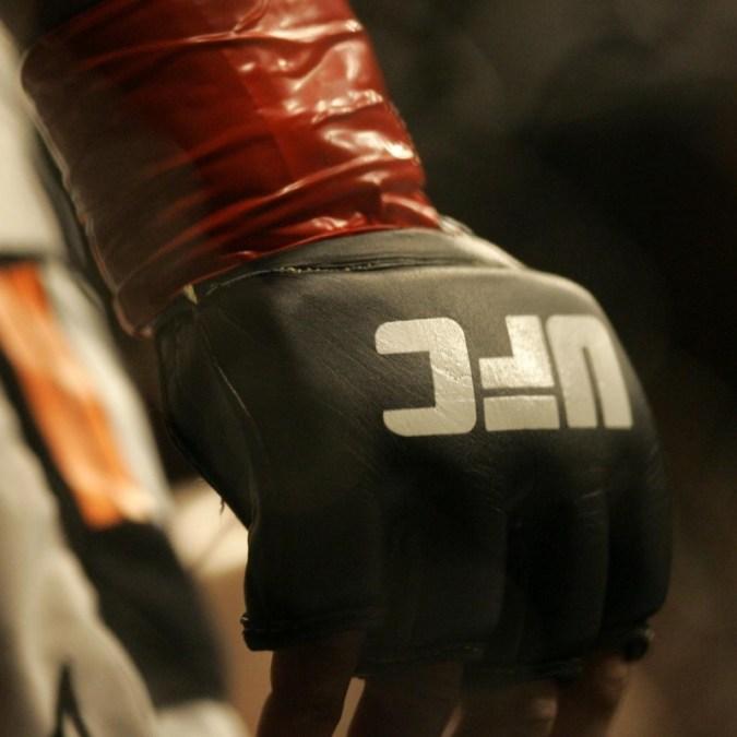 ผลลัพธ์ UFC 259: Jan Blachowicz เหนือ Israel Adesanya, Yan DQ Highlight Main Card