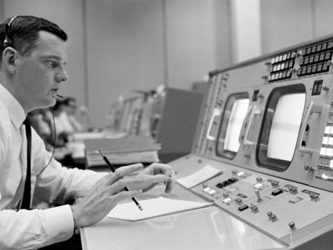 '트렌치'에서 달로 향한 NASA 비행 디렉터 글린 루니, 84 세로 사망