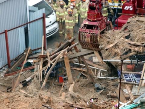 Gedung runtuh saat pembongkaran di Gwangju …  2 kematian