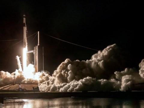 SpaceX, 재활용 캡슐과 '비행 검증 된'로켓으로 우주 비행사 발사