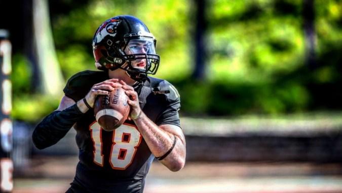 NFL 자격을 증명할 준비가 된 'Division III의 Aaron Rodgers'Bryan Scott
