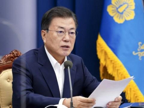 """Presiden Moon """"Vaksinasi dengan lancar"""" …野 """"Pemerintah mengumumkan bahwa orang-orang tidak lagi percaya"""""""