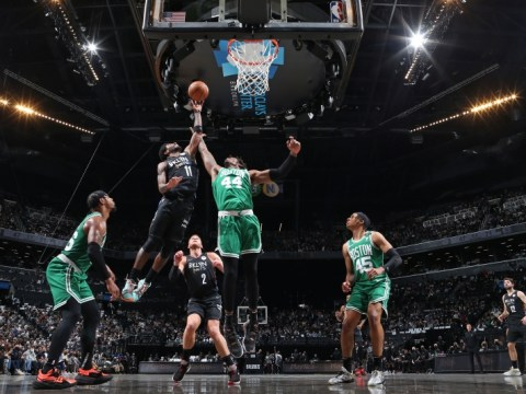 Jayson Tatum ระเบิดเพื่อ 50 คะแนนในเกมที่ 3 ของ Celtics ชนะ Kyrie Irving, Nets