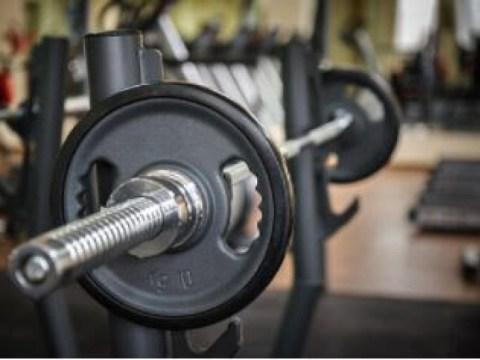 [Oh!  Ya Tuhan] Bencana gym yang disebabkan oleh keserakahan yang berlebihan …  40-an yang meninggal di bawah barbel