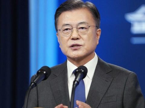 """Presiden Moon """"Meringankan beban pengguna akhir…  Mencapai pertumbuhan ekonomi 4% tahun ini"""