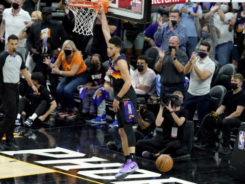 Devin Booker, Suns Rout Nikola Jokic, 게임 2의 너기츠로 균형 잡힌 공격 주도