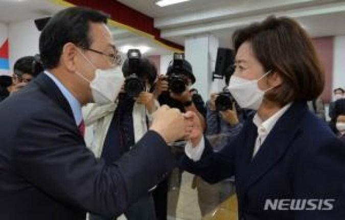 """'Kontroversi Fraksi'  """"Lee Jun-seok, calon divisi di lapangan"""" vs """"Ketamakan senior"""" (komprehensif)"""