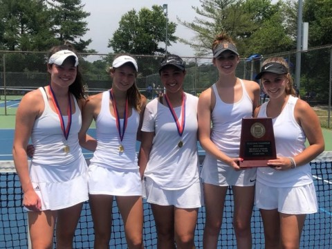 Charlotte, Raleigh 여자 테니스 선수가 토요일 NCHSAA 주 챔피언십을 지배