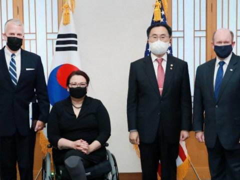 """Moon Seung-wook, kepada delegasi Senat AS tentang 'Visiting Korea', """"Perusahaan Korea meminta dukungan tepat waktu untuk insentif investasi"""""""