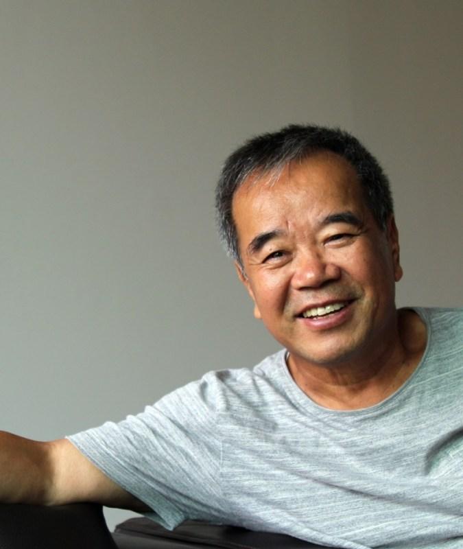 """[Ruang Sastra Jo Yong-ho] Kim Yong-taek """"Kami telah hidup dengan tata bahasa yang sama terlalu lama"""""""