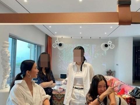 Uhm Jung-hwa, yang mengunjungi rumah Lee Hye-young seperti 'Hotel Suite Room', mengungkapkan bagaimana dia menikmati dirinya sendiri