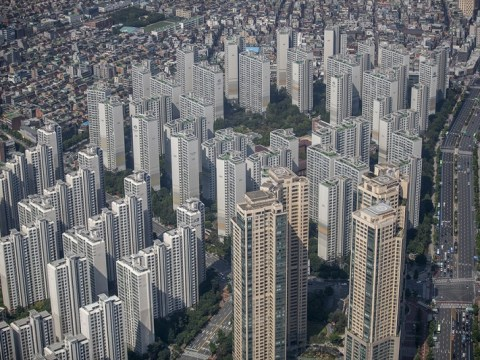 Sejak peresmian pemerintahan Moon, porsi donasi dalam transaksi apartemen di Seoul telah meningkat tiga kali lipat.