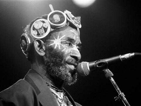 Lee 'Scratch' Perry, Reggae Giant และ Dub Pioneer เสียชีวิตที่ 85