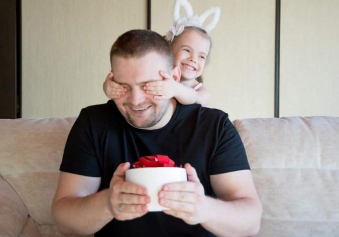 Let's Talk: Fatherhood – 성찰, 통찰력 및 아빠의 농담