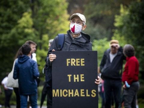 두 마이클의 포로 1,000일째 되는 날 수백 명이 오타와에서 행진