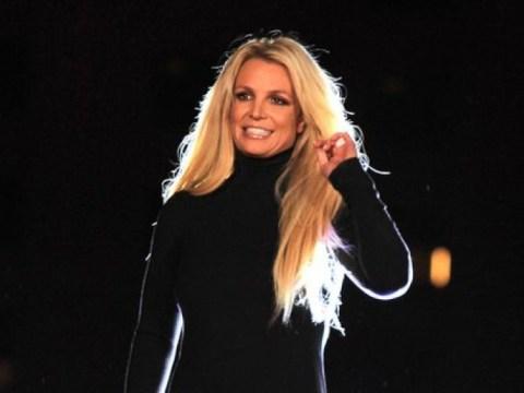 """Britney, pukul tanganku dan jatuhkan ponselku"" Kali ini, berdebat dengan pengurus rumah tangga"