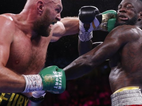 Tyson Fury는 Deontay Wilder를 녹아웃으로 꺾고 헤비급 타이틀을 유지합니다.