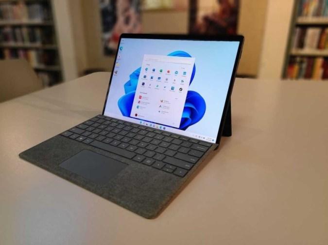 Microsoft Surface Pro 8 리뷰: 우수한 Windows 11 태블릿